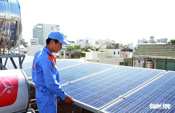 Năm 2023, miền Nam thiếu hụt 12 tỉ kWh điện - Ảnh 1.