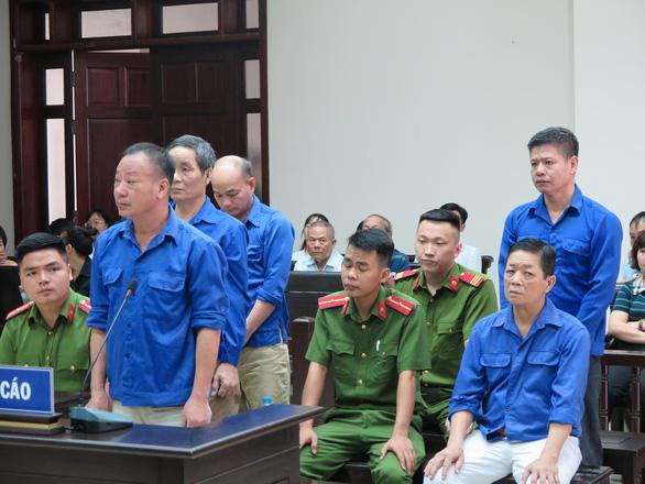 Vụ cưỡng đoạt ở chợ Long Biên: Bị hại nói đã 2 lần tự tử - Ảnh 2.