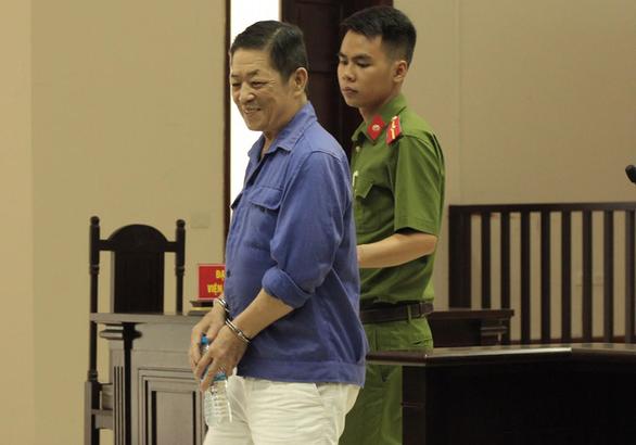 Vụ cưỡng đoạt ở chợ Long Biên: Bị hại nói đã 2 lần tự tử - Ảnh 1.