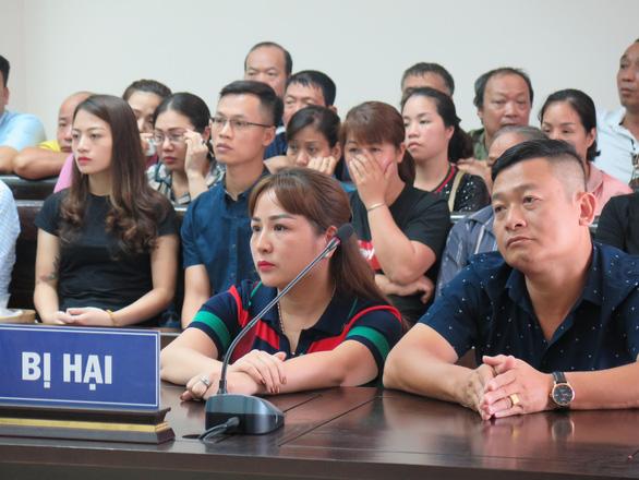 Vụ cưỡng đoạt ở chợ Long Biên: Bị hại nói đã 2 lần tự tử - Ảnh 3.