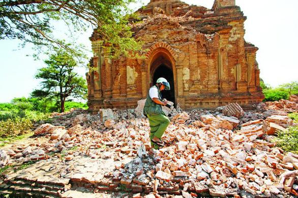 Myanmar cấm du khách leo lên các ngôi chùa ở Bagan - Ảnh 2.