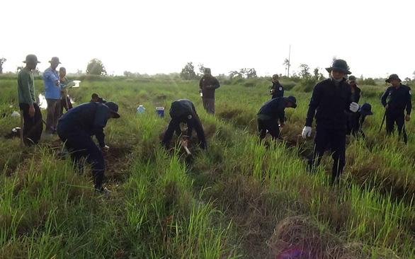 Tìm kiếm hàng ngàn hài cốt liệt sĩ Việt Nam hy sinh trên chiến trường Campuchia  - Ảnh 1.