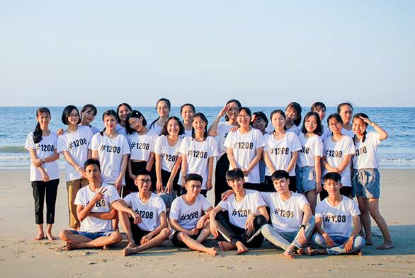 Nữ sinh có điểm địa lý cao nhất Quảng Nam đăng ký NV1 vào ĐH Duy Tân - Ảnh 2.