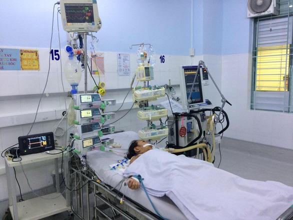 Hạ thân nhiệt xuống 35 độ C để bảo vệ não cho bé gái viêm cơ tim tối cấp - Ảnh 1.