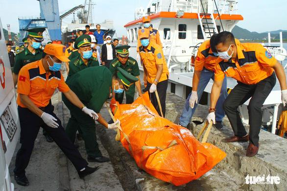 Xác định danh tính 3 thi thể ngư dân vụ tàu Nghệ An bị đâm chìm - Ảnh 1.