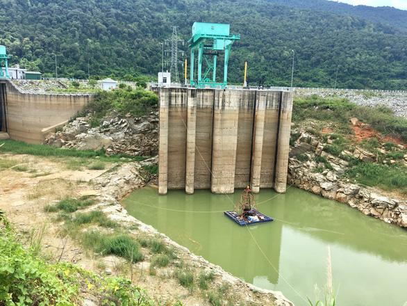 Dùng thủy điện Buôn Kuốp khắc phục khó khăn mùa khô hạn - Ảnh 1.