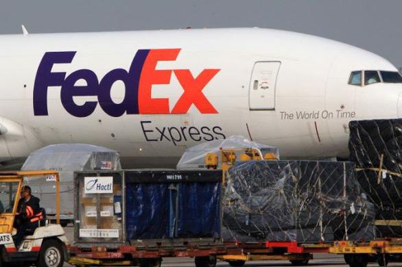 Trung Quốc nghi FedEx giữ lại hơn 100 bưu kiện của Huawei - Ảnh 1.