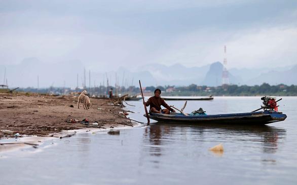Rùng mình nhìn sông Mekong cạn nước - Ảnh 1.