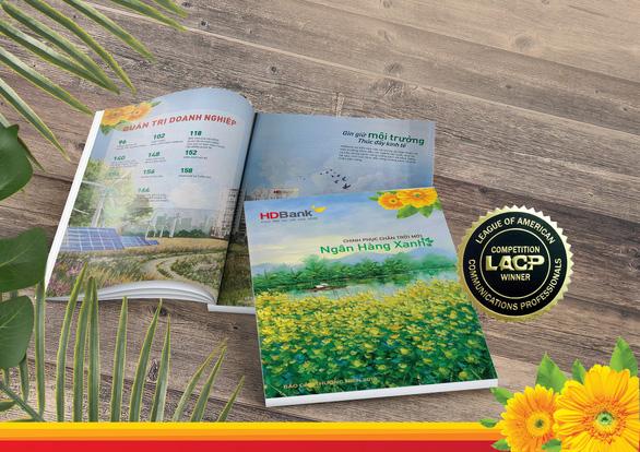 Báo cáo thường niên HDBank đạt giải Bạch kim quốc tế - Ảnh 2.