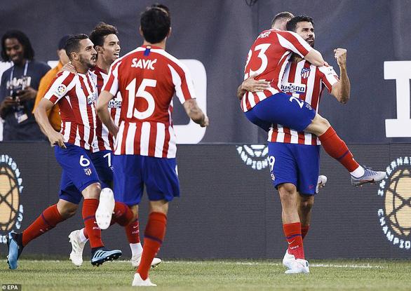 Atletico Madrid hủy diệt Real Madrid 7-3, Diego Costa ghi poker và nhận thẻ đỏ - Ảnh 1.