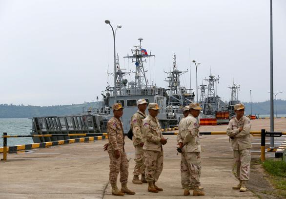 Campuchia mời 80 nhà báo quốc tế thăm tận nơi căn cứ hải quân Ream - Ảnh 1.