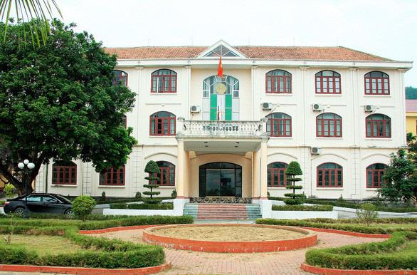 Xem xét xử lý kỷ luật phó chủ tịch UBND huyện Vân Đồn - Ảnh 1.