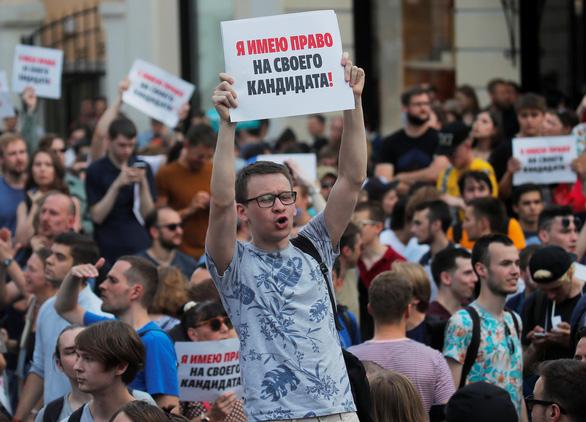 Nga bắt cả ngàn người biểu tình phản đối chính phủ - Ảnh 1.