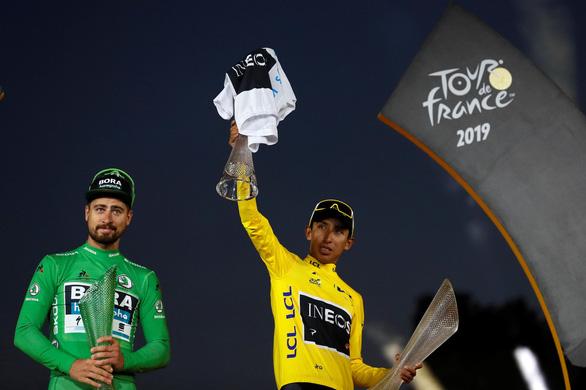Cua-rơ Egan Bernal vô địch Tour de France 2019 - Ảnh 1.