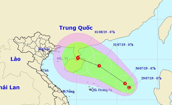 Biển Đông xuất hiện vùng áp thấp, khả năng mạnh thành bão - Ảnh 1.