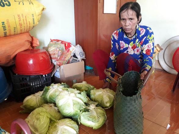 Người mẹ của ca sĩ Châu Việt Cường sống trong nghèo khó - Ảnh 1.