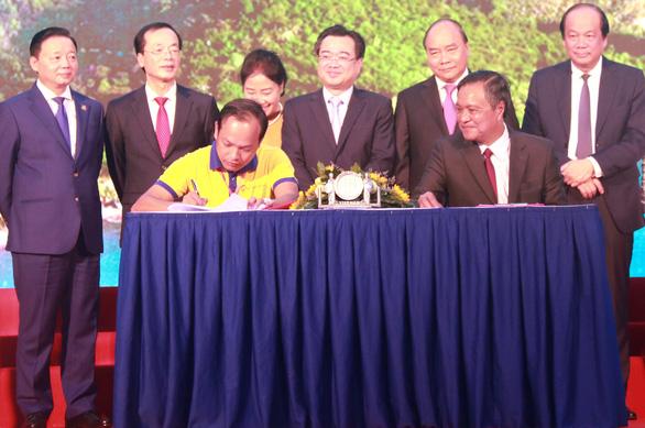 Thủ tướng Nguyễn Xuân Phúc: Phú Quốc cần thu hút nhà đầu tư có tiềm lực mạnh - Ảnh 3.