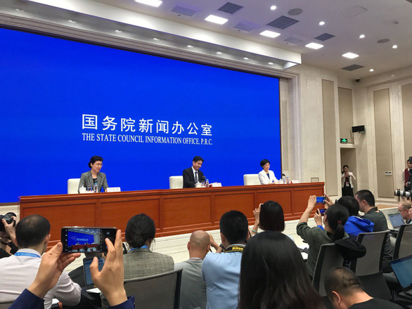 Trung Quốc lần đầu họp báo về tình hình bất ổn ở Hong Kong - Ảnh 1.
