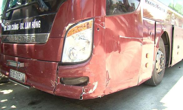 Phê ma túy, tài xế lao xe vào hiện trường tai nạn trên quốc lộ - Ảnh 1.