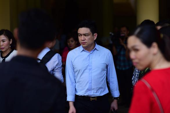 Cho rằng vụ án bỏ lọt tội phạm, bác sĩ Chiêm Quốc Thái kháng cáo - Ảnh 1.