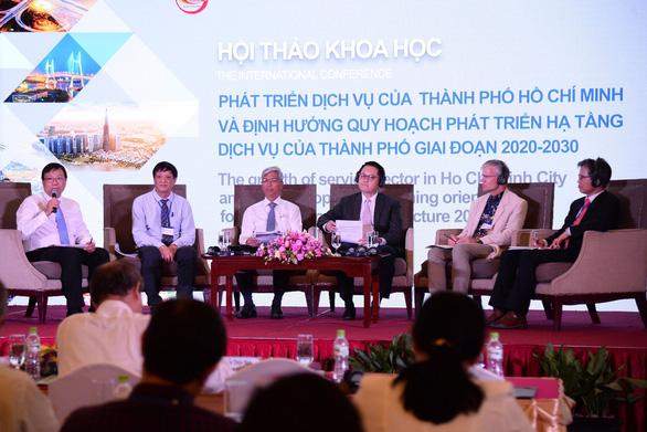 TP.HCM cần dành thêm quỹ đất phát triển hạ tầng dịch vụ - Ảnh 2.