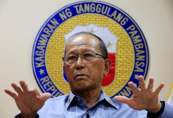 Philippines điều tra việc Trung Quốc phóng tên lửa trên Biển Đông - Ảnh 1.