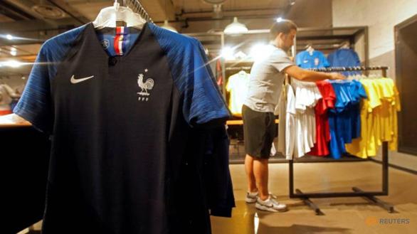 Nhà cung cấp cho Nike, Adidas cạnh tranh nhân công với Apple, Dell - Ảnh 2.