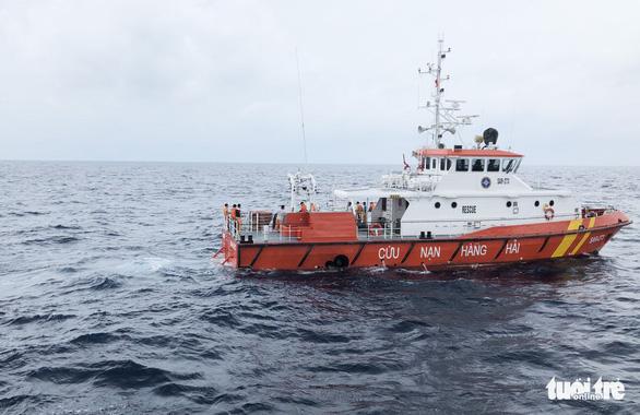 Hai lần lặn tìm 9 ngư dân Nghệ An mất tích bất thành - Ảnh 7.