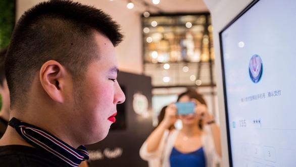 Nịnh khách, Alipay nâng cấp nhan sắc người dùng khi thanh toán di động - Ảnh 1.