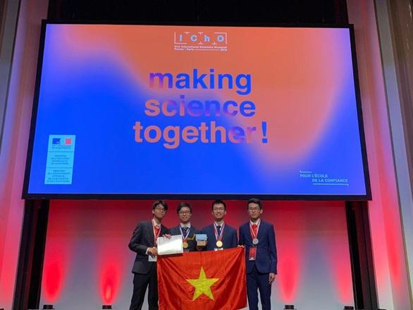 Bốn học sinh Việt đoạt huy chương vàng, bạc Olympic Hóa học quốc tế - Ảnh 1.