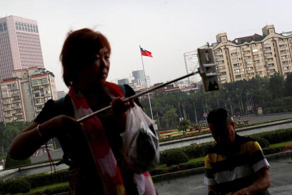 Trung Quốc cấm công dân du lịch tự túc tại Đài Loan - Ảnh 1.