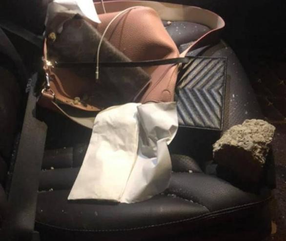 Ném đá vào ôtô trên cao tốc Hà Nội - Thái Nguyên khiến hành khách bị thương - Ảnh 1.