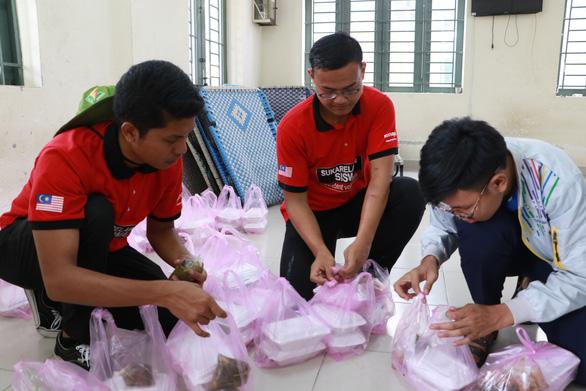 Tình nguyện viên quốc tế học tiếng Việt, trồng cây xanh ở Việt Nam - Ảnh 5.