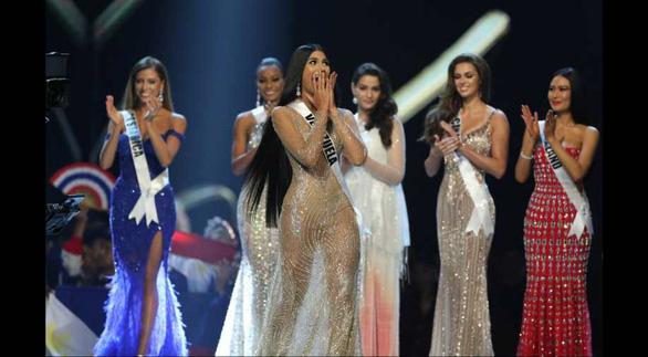 Lần đầu tiên thi hoa hậu Venezuela bỏ công bố số đo 3 vòng - Ảnh 1.