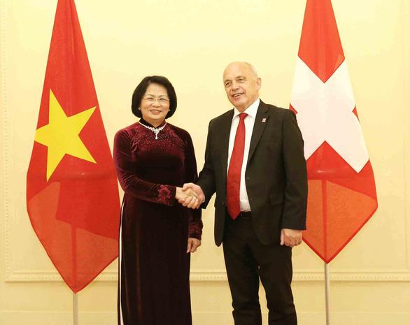 Phó chủ tịch nước Đặng Thị Ngọc Thịnh hội kiến tổng thống Thụy Sĩ - Ảnh 1.