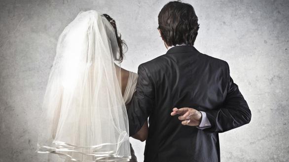 Cay đắng kết hôn giả - Kỳ cuối: Nhập tịch giá rẻ ở Singapore - Ảnh 1.