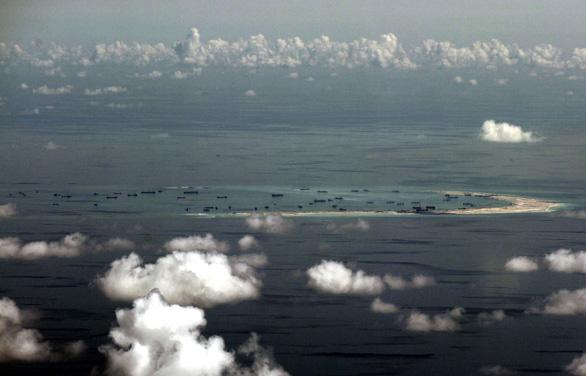Chuyên gia Philippines: Trung Quốc tàn phá san hô ở Biển Đông, gây thiệt hại 645 triệu USD/năm - Ảnh 1.