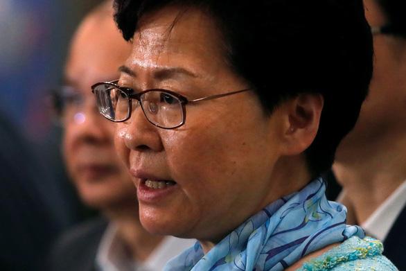 Bà Lâm Nguyệt Nga muốn đối thoại với giới trẻ Hong Kong - Ảnh 1.
