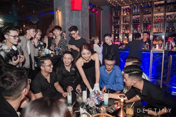 De5tiny - Đại tiệc quý ông và sự mở màn ấn tượng - Ảnh 3.