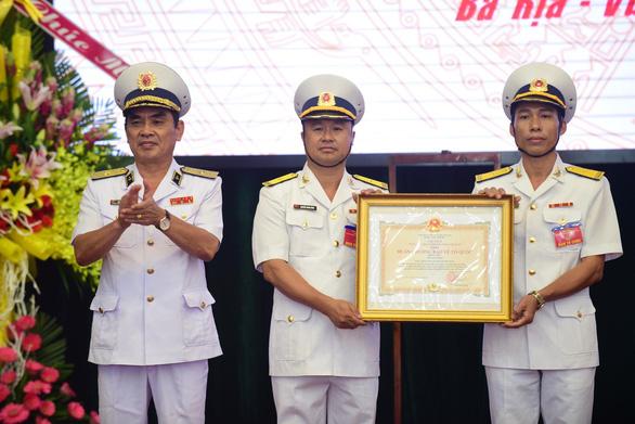 Tiểu đoàn DK1 đón nhận Huân chương Bảo vệ Tổ quốc hạng Nhì - Ảnh 1.