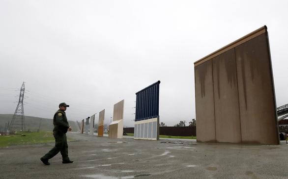 Tòa phúc thẩm ngăn ông Trump dùng ngân sách quốc phòng xây tường - Ảnh 1.