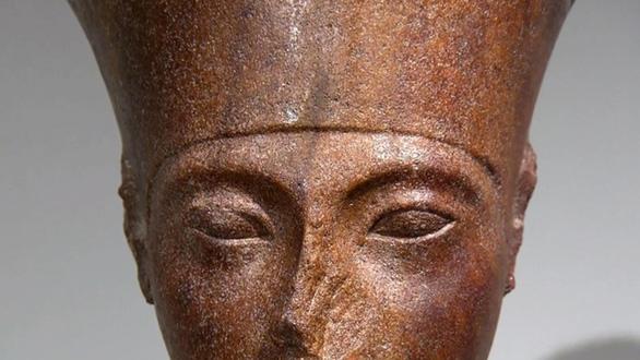 Cairo giận dữ khi nhà Christie's bán đầu tượng vua Ai Cập 6 triệu USD - Ảnh 1.