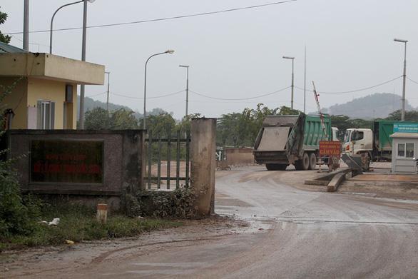 Hà Nội thanh tra việc cấp sổ đỏ quanh khu xử lý chất thải Sóc Sơn - Ảnh 1.