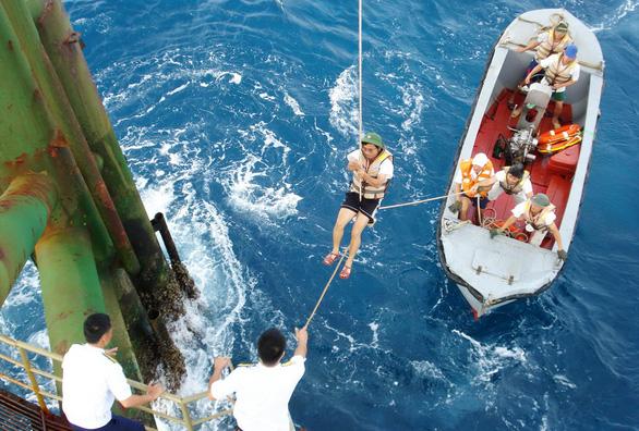 DK1 - 30 năm thành đồng trên biển - Kỳ 3: Những ngày gian khó - Ảnh 4.