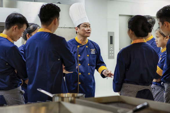 Giải pháp nào cho nguồn nhân lực du lịch Việt Nam? - Ảnh 2.