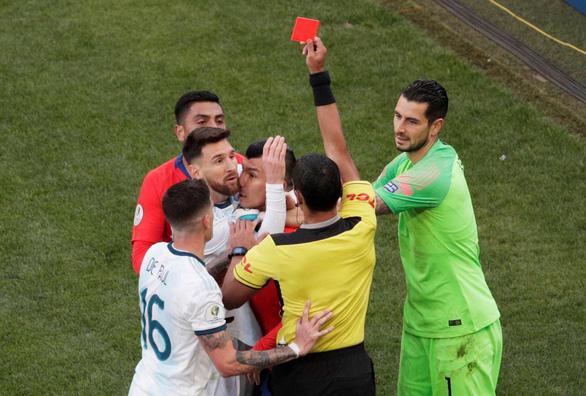 Messi nhận thẻ đỏ, Argentina vẫn hạ Chile ở trận tranh hạng 3 Copa America 2019 - Ảnh 4.