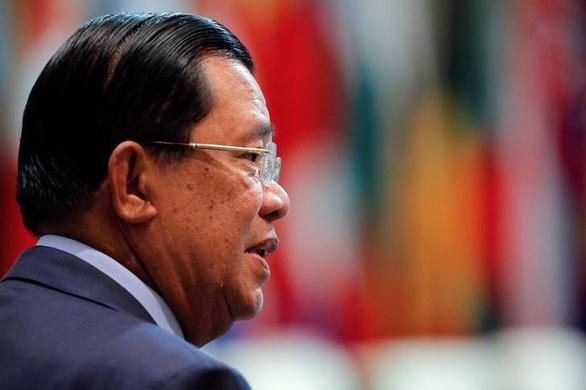 Thủ tướng Campuchia Hun Sen hủy họp để khám bệnh ở Singapore - Ảnh 1.