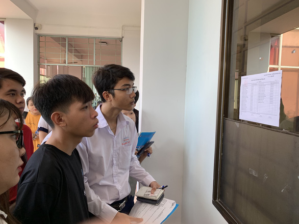 Hơn 15.000 thí sinh thi đánh giá năng lực đợt 2 của ĐH Quốc gia TP.HCM - Ảnh 1.