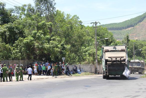 Đà Nẵng: Dân lại chặn đường vào bãi rác, công an phải vào cuộc - Ảnh 3.