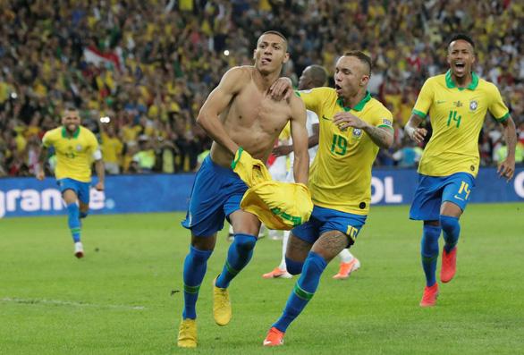 Peru chơi tấn công, nhưng Brazil đã vô địch Copa America 2019 với 10 người - Ảnh 8.